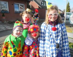 4 clowns